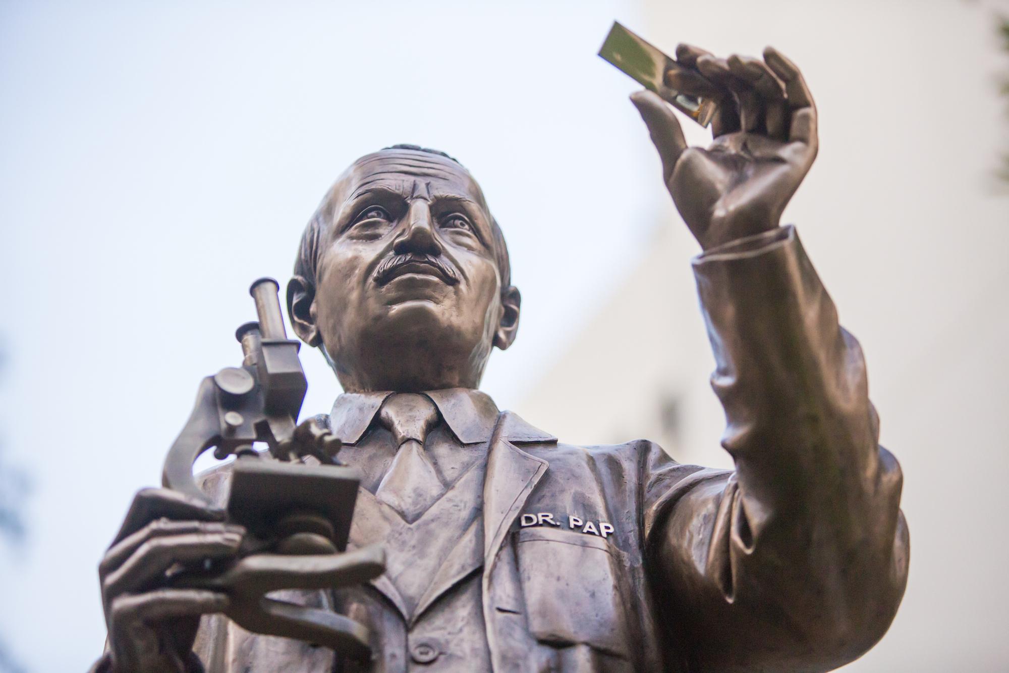 6-2-17 UHealth Statue Unveiling-203 Copy